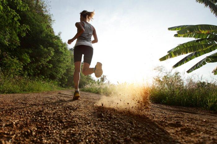 como-proteger-nuestra-piel-durante-la-practica-de-deporte-al-aire-libre